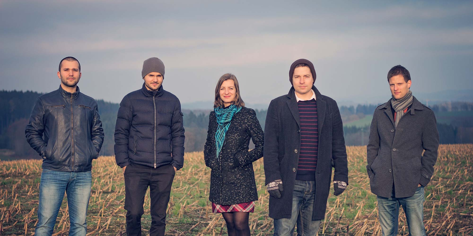 Česko-polsky kvintet Inner Spaces. Zleva: Grzegorz Masłowski, Max Mucha, Štěpánka Balcarová, Vít Křišťan a Luboš Soukup